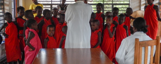 Nurses from the Lewa Clinic come to visit.